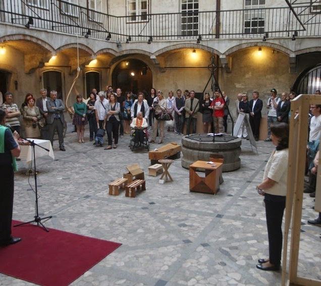 Čar lesa 2015: odprtje razstave v Mestni hiši